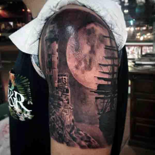 90 Mond Tattoos fr Mnner  Schiff des Lichts auf dem