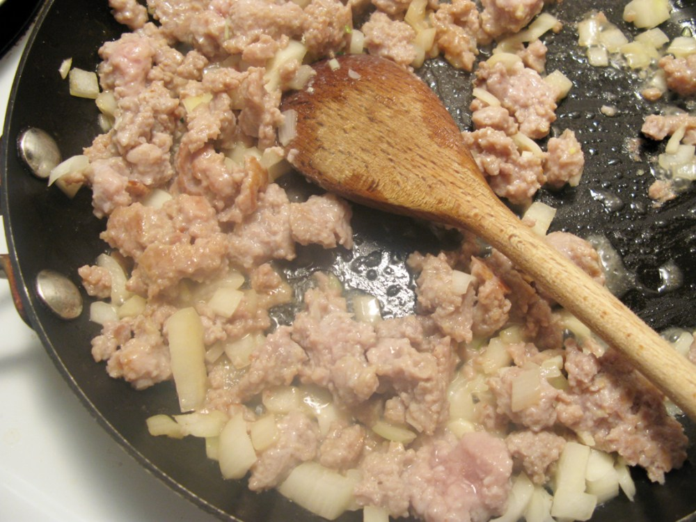 Italian Sausage & Sundried Tomato Alfredo - Quick Pantry Pasta (3/6)