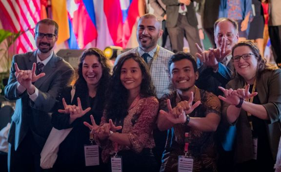 U.S Representative of Cultural Vistas and MantaWatch at YSEALI Summit
