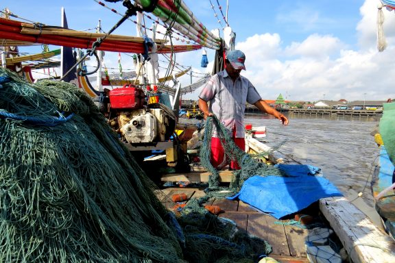 fisherman and gillnet