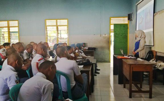 SMKN 1 Glagah grade 10 students