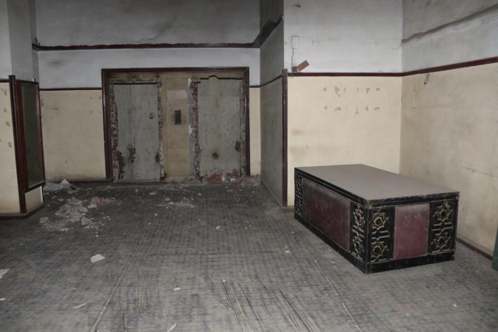 غرفة بالكونتننتال كانت فخمة يومًا ما - تصوير: صديق البخشونجي