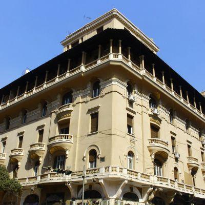إحدى العمارات الخديوية بشارع عماد الدين- تصوير: صديق البخشونجي