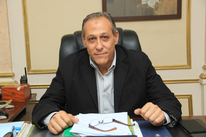 اللواء هشام خشبة رئيس حي غرب القاهرة