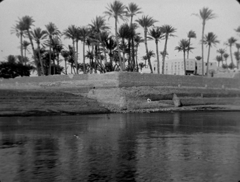 Panorama des rives du Nil, [IX]], n°[4524],1897, © Institut Lumière