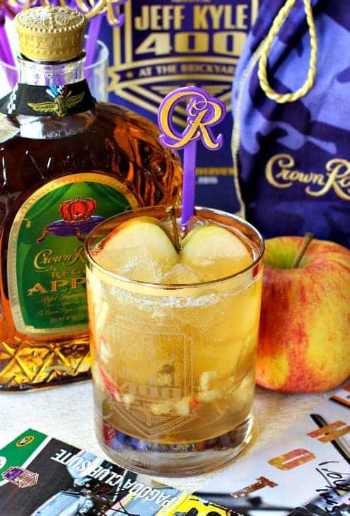 Drinks Made With Crown Apple : drinks, crown, apple, Crown, Royal, Apple, Delicious,, Flavored, Whisky, Drink