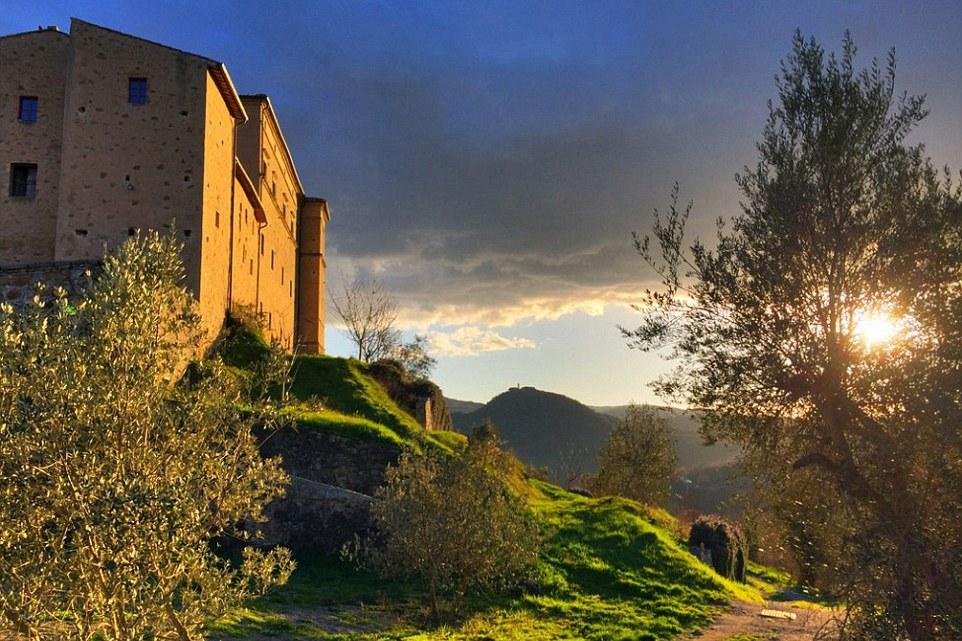 تعرف على أهم أماكن الجذب السياحي في توسكانا الإيطالية 2021 WWW.MANTOWF.COM