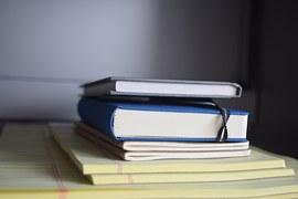 books-659690__180
