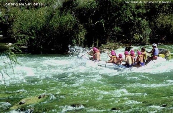 Argentina para quem curte esportes radicais: rafting, San Rafael, Argentina