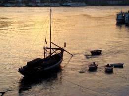 Barcas que transportavam vinho no Douro
