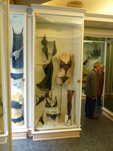 As famosas e sensuais lingeries italianas, em Roma