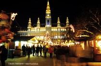 Christmas market no City Hall Square