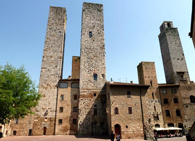 Cidade medieval de San Gimignano, Itália