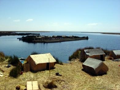 Ilhas flutuantes de totora, Lago Titicaca, Peru