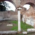 Ruínas de residência em Ostia Antica