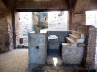 Interior da cantina romana de Ostia Antica