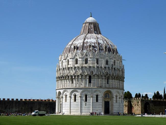 Batistério de Pisa, Itália