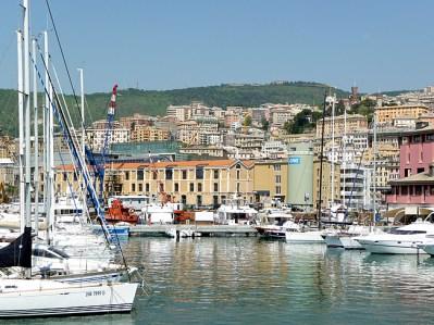 Porto de Gênova, Itália