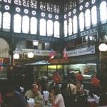 Restaurante de frutos do mar, mercado de Santiago, Chile