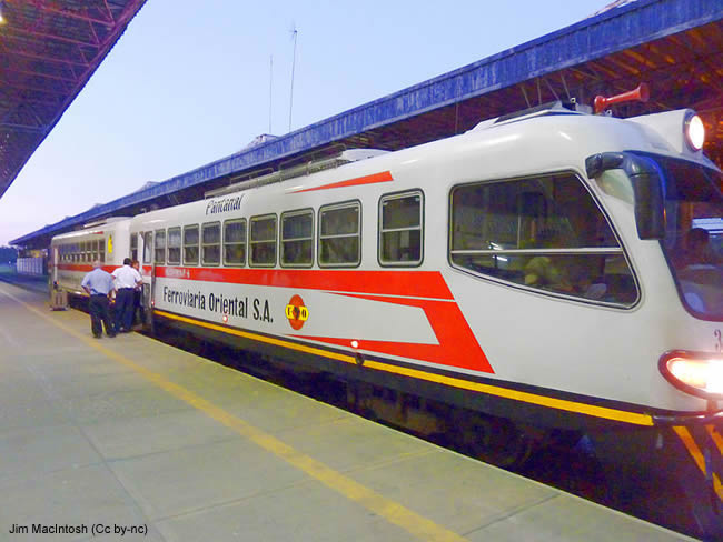 Trem de Puerto Suarez a Santa Cruz de la Sierra