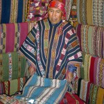 Vendedor de tecidos em Cuzco, Peru