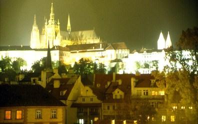 Praga à noite