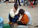 Barbeiro de rua, Índia