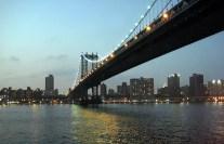 Brooklyn Bridge, sobre o rio Hudson