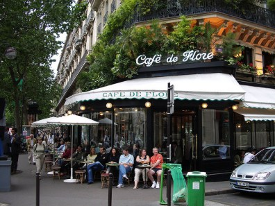 Café Flore, em St-Germain - Foto sergeymk CC BY