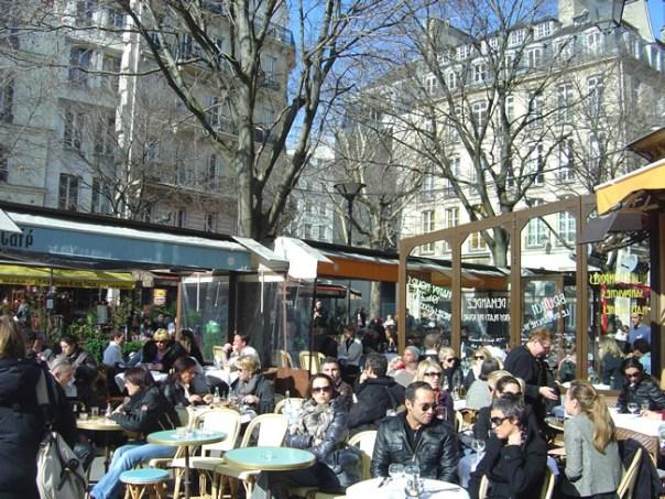 Café no bairro de Marais, Paris