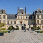 Fontainebleau, Cour du Cheval blanc - Foto Jean-Pierre Dalbéra CC BY