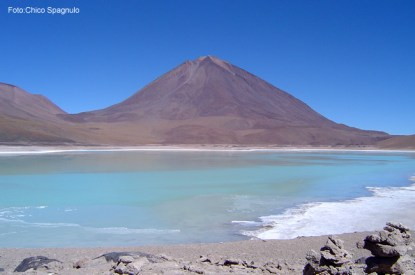 Laguna no salar de Uyuni, na Bolívia