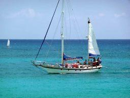 Passeio de barco em Saint-Martin, Caribe