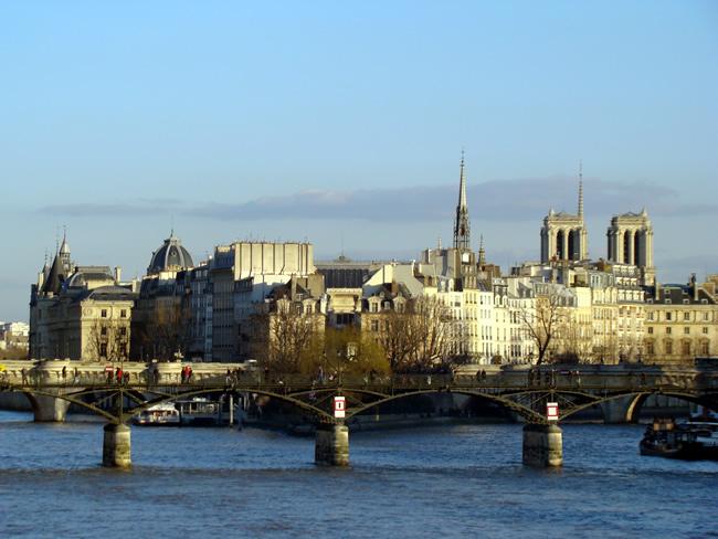 Pont des Arts, no Rio Sena, em Paris