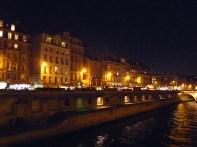 Quartier Latin frente ao Sena