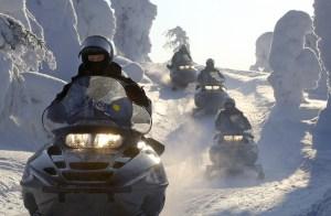Snowmobile em Iso-Syote, Finlândia