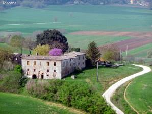 Percorrendo de carro a Toscana, na Itália
