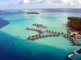 Vista aérea da laguna de Bora Bora