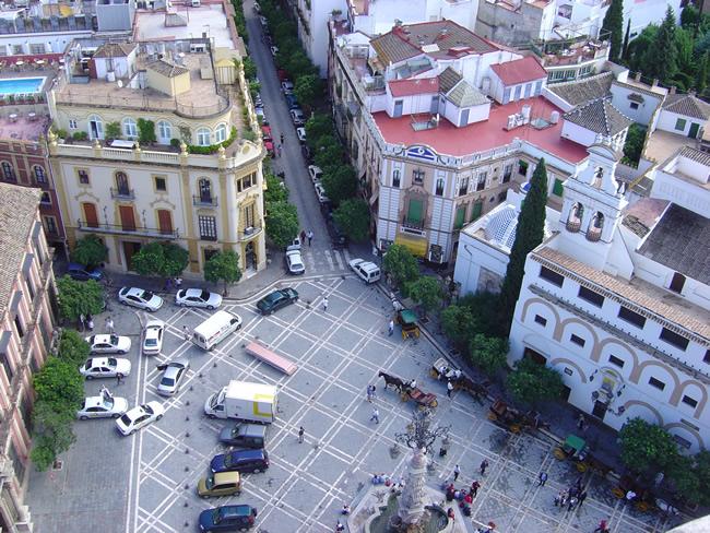 Vista de Sevilha do alto da torre da catedral
