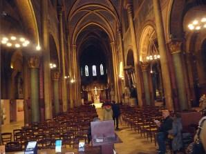 interior da igreja de Saint-Germain