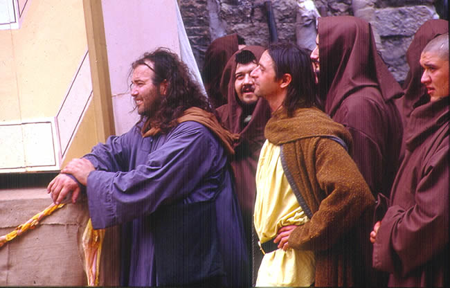Festa do Callendimaggio, roupas medievais