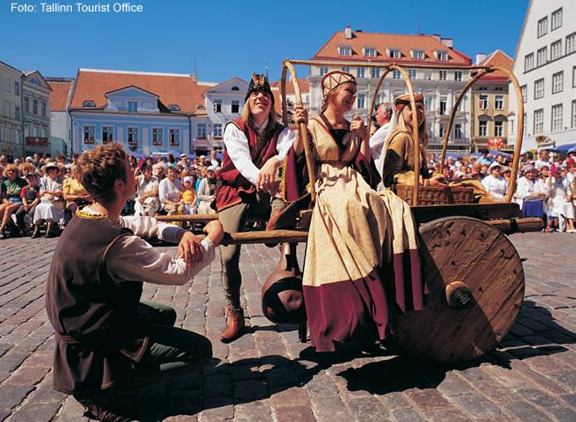 Festa folclórica em Tallinn, Estônia