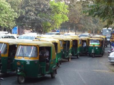 Os scooters-táxis, em Delhi