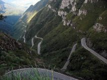 A estrada da Serra do Rio do Rastro, SC