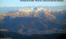 Voando de balão junto dos Alpes Neozelandeses