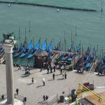Gondolas junto à Piazza San Marco, Veneza