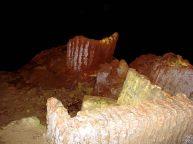 Caverna do Diabo, trono