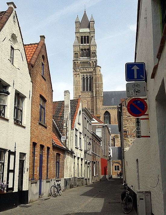 Rua em Bruges