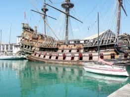 Galeão no Porto de Gênova, Itália