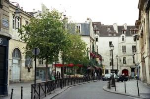 Ruas tortuosa, de traçado medieval no Marais